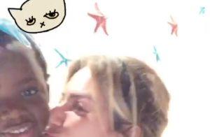 Giovanna Ewbank posta vídeo da filha, Títi, fazendo caras e bocas em Noronha