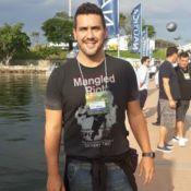 André Marques visita feira náutica e negocia compra de barco: 'Para curtir'