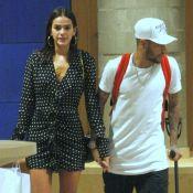 Marquezine elege vestido YSL com estampa poá para passeio com Neymar. Detalhes!