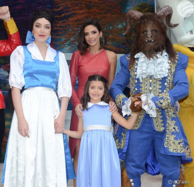 Filha de Carol Celico e Kaká, Isabella ganha festa de aniversário da 'A Bela e A Fera' nesta sexta-feira, dia 20 de abril de 2014