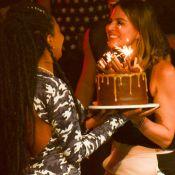 Prestes a completar 23 anos, Ludmilla ganha bolo de aniversário em show. Fotos!