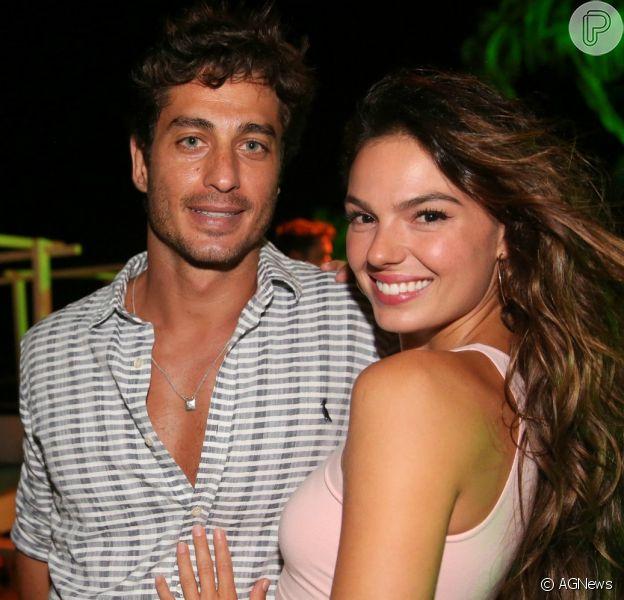 Isis Valverde revelou o sexo do primeiro filho com André Resende neste domingo, 22 de abril de 2018
