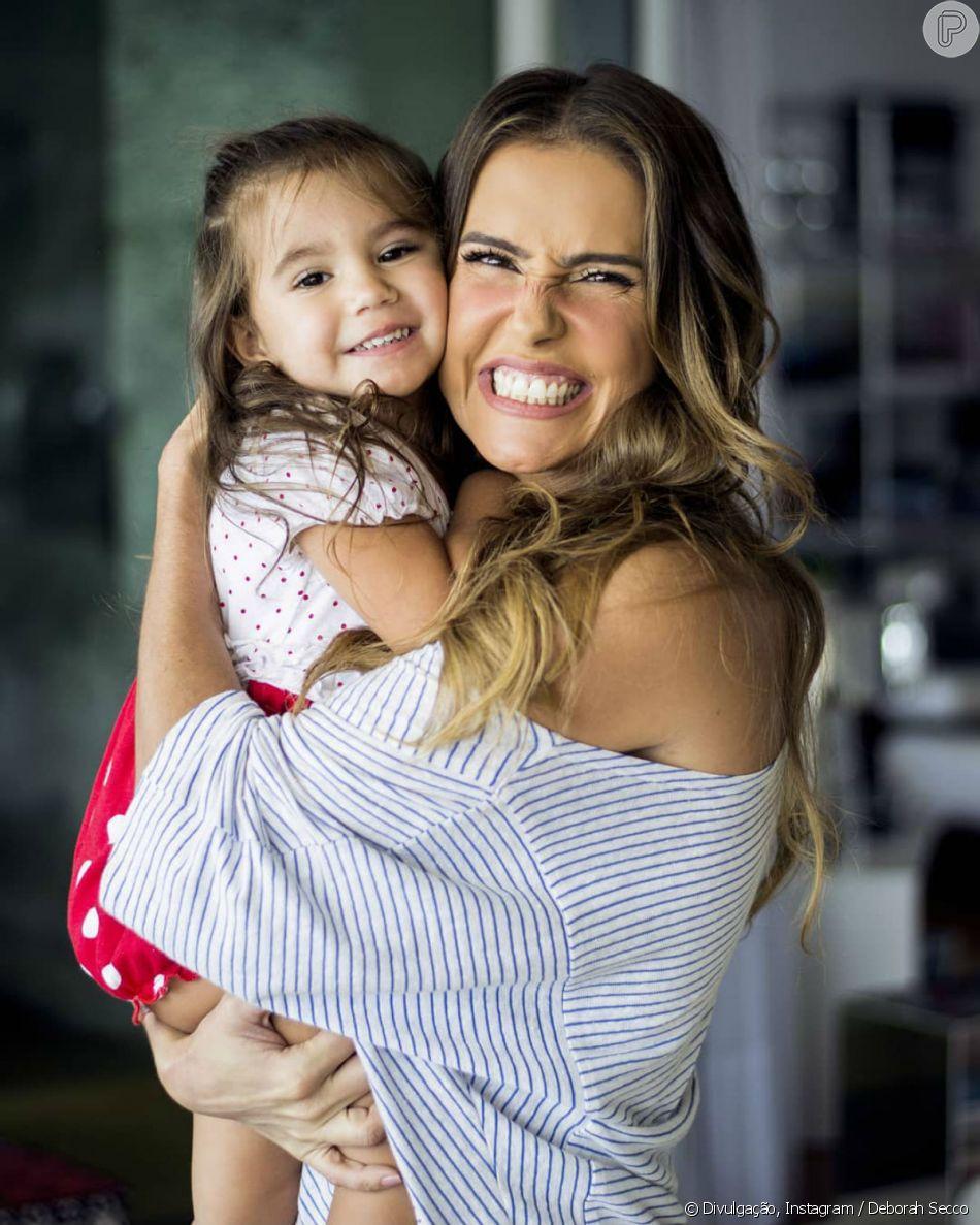 Deborah Secco disse que voltou a malhar por causa da filha, Maria Flor, de 2 anos