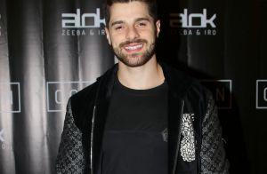 Estrela do clipe de Alok, Rodrigo Santoro prestigia lançamento da música. Foto!