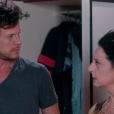 Após discussão, Haydee (Clarice Niskier) flagra Flávio (Eduardo Pelizzari) roubando dinheiro de sua bolsa, no capítulo que vai ao ar quarta-feira, dia 2 de maio de 2018, na novela 'Carinha de Anjo'