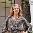 Frequentadora da high society, Jaqueline, personagem de Claudia Raia em 'Ti-ti-ti' (2010), aderiu aos fios loiros e longos