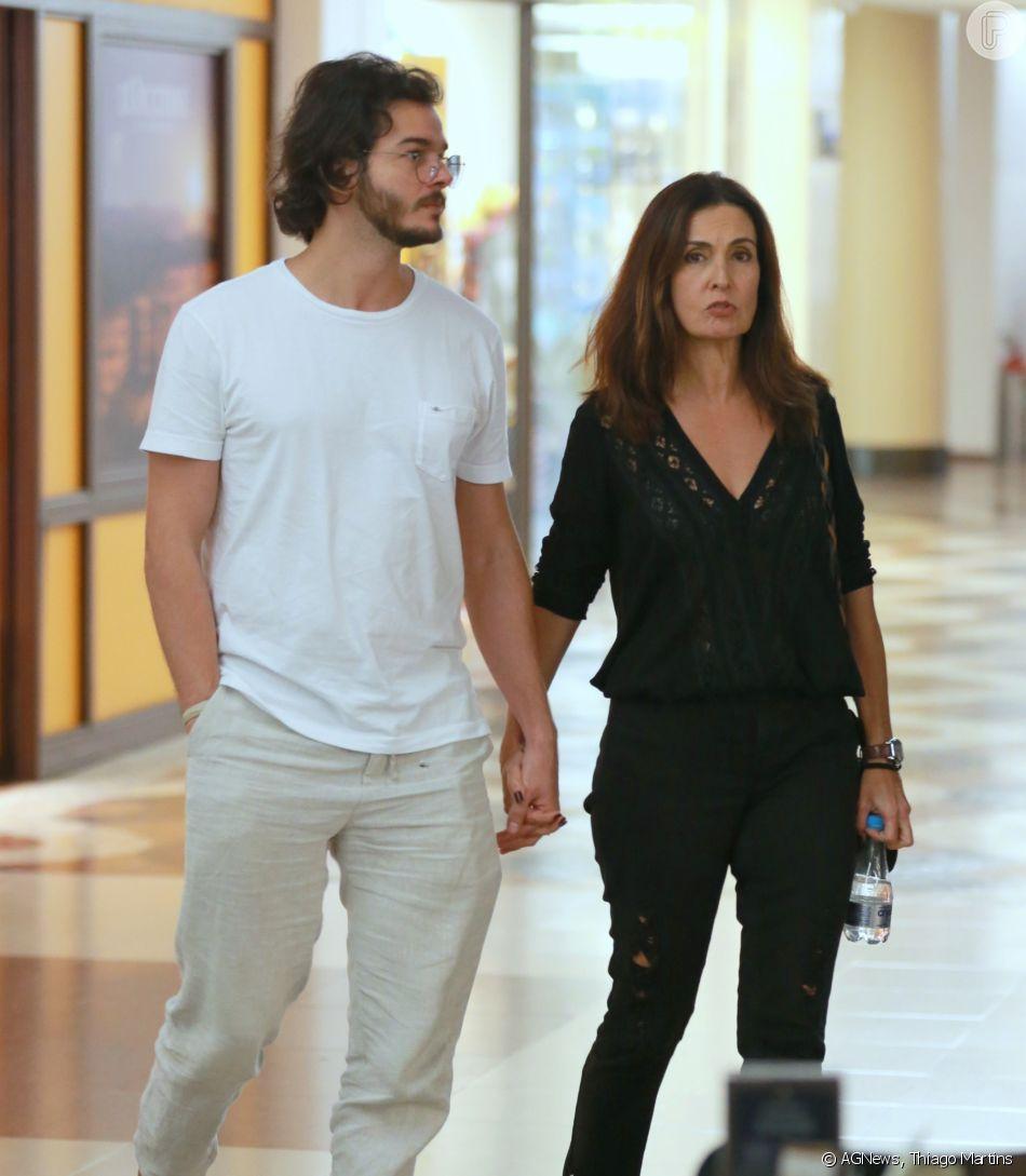 Fátima Bernades e Túlio Gadêlha foram ao cinema juntinhos nesta sexta-feira, dia 27 de abril de 2018