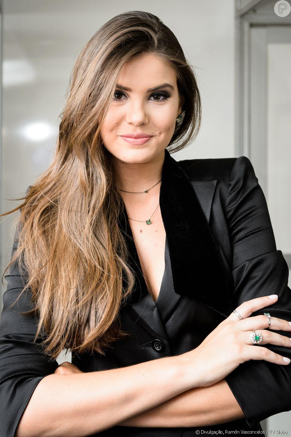 Camila Queiroz usou as redes sociais Instagram e Pinterest para escolher seu vestido de noiva para o casamento com Klebber Toledo