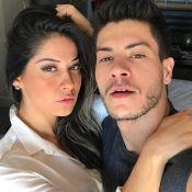 Grávida de Arthur Aguiar, Mayra Cardi anuncia que espera uma menina: 'Sophia'
