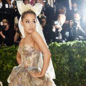 Ariana Grande estreia no MET Gala com pintura da Capela Sistina em look. Fotos!