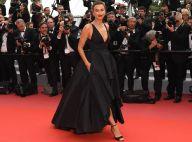 Elegante! Irina Shayk aposta em vestido mullet e sapato 'F heel' em Cannes