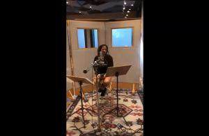 Anitta mostra bastidores de gravação de DVD infantil: 'Dublando o meu desenho'