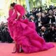 Deepika Padukone escolheu sapatos Aquazzura na mesma cor de seu vestido para ir a Cannes