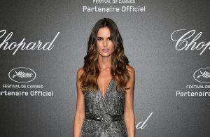7f13b371455d9 Superfenda Versace e colar de pedra preciosa  Bruna Marquezine brilha em  Cannes!