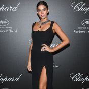 Superfenda Versace e colar de pedra preciosa: Bruna Marquezine brilha em Cannes!