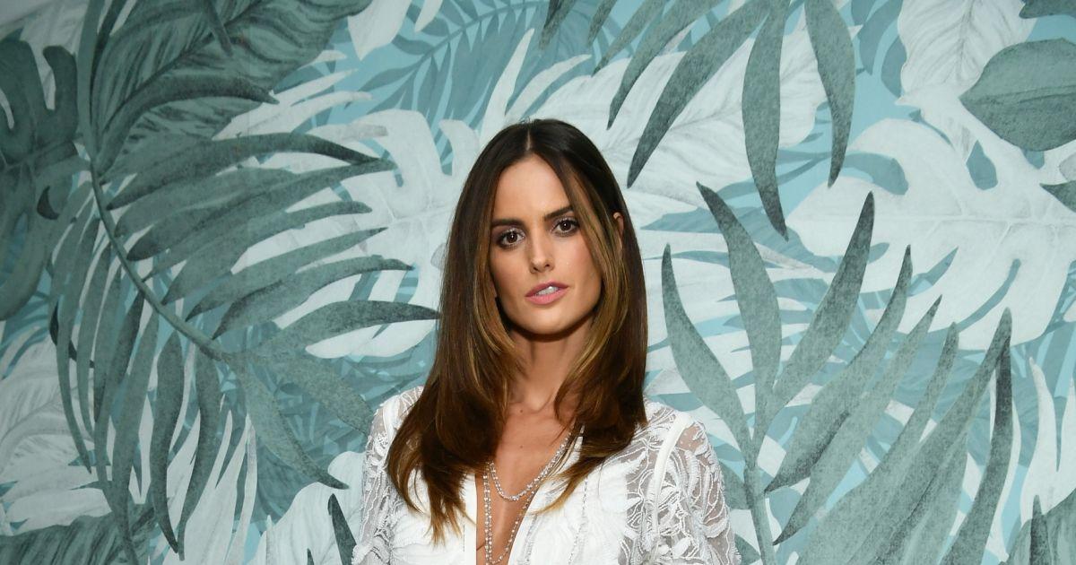 c9d03b019873e Bruna Marquezine ganhou companhia da modelo Izabel Goulart em evento em  Cannes - Purepeople