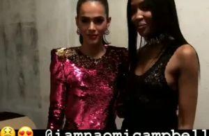 Com look brilhoso, Bruna Marquezine posa ao lado de Naomi Campbell em Cannes