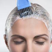 Esfoliação capilar: aprenda o método de limpeza que ajuda no crescimento do fio