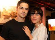 Gabriel Leone 'usa' namoro com Carla Salle para par em série: 'Ideias parecidas'