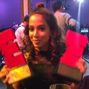 Anitta comemora prêmios de Melhor Cantora e Vídeo Musical no México: 'Conquista'