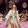 A designer Camilla Franks  apostou em looks que remetiam a juventude, feminilidade, rituais culturais, tradições e cerimônia do país asiático