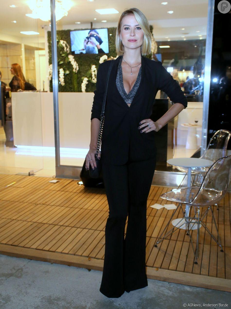 Barbara França prestigia inauguração da nova unidade da  Arte Dermatologia e Estética, na Barra da Tijuca, Zona Oeste do Rio de janeiro, na noite desta quinta-feira, 17 de maio de 2018