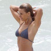 Carolina Dieckmann usa calcinha e sutiã em praia: 'Não pode deixar de mergulhar'