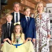 Angélica usa vestido Valentino de R$ 17 mil em bar-mitzvá do filho, Joaquim