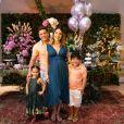 Wesley Safadão e Thyane Dantas fizeram um chá de revelação em família quando o sexo do herdeiro foi anunciado