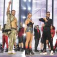 Anitta elegeu body telado e short curto para show no MTV MIAW