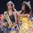 Monalysa Alcântara, Miss Brasil 2017, entregou a coroa para Mayra Dias, representante do Amazonas