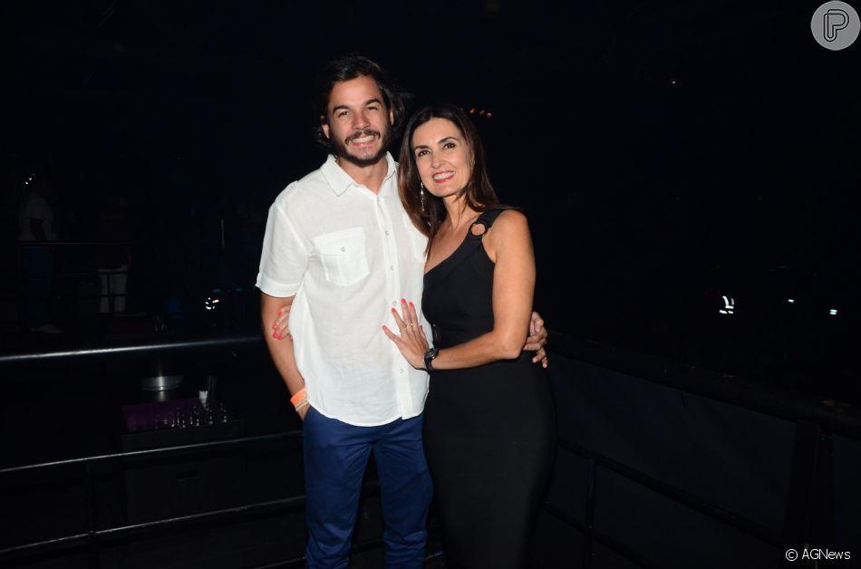 Fátima Bernardes e Túlio Gadêlha curtiram o fim de semana juntinhos em Recife