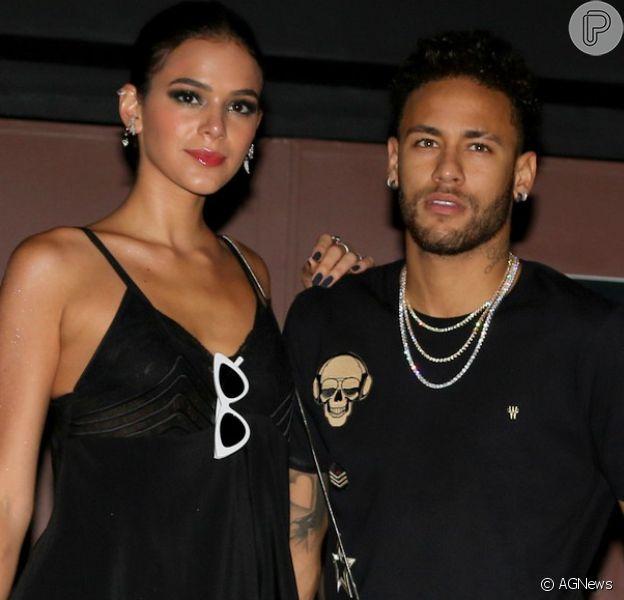 Bruna Marquezine e Neymar planejam férias após o fim da novela 'Deus Salve o Rei' e a Copa do Mundo ds Rússia