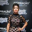 Prestes a estrear na novela 'Deus Salve o Rei', Paula Fernandes teve o apoio dos fãs