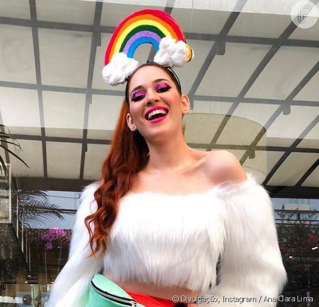Ex-BBB Ana Clara marcou presença na Parada LGBT, em São Paulo, em 3 de junho de 2018