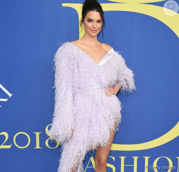 Elegante e ousada! Kendall Jenner combinou estilos em look Alexandre Vauthier no CFDA Fashion Awards 2018 nesta segunda-feira, dia 4 de junho de 2018