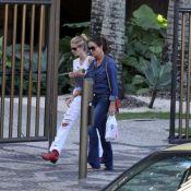 Luiza Brunet e Yasmin Brunet passeiam juntas pelas ruas de Ipanema, no Rio