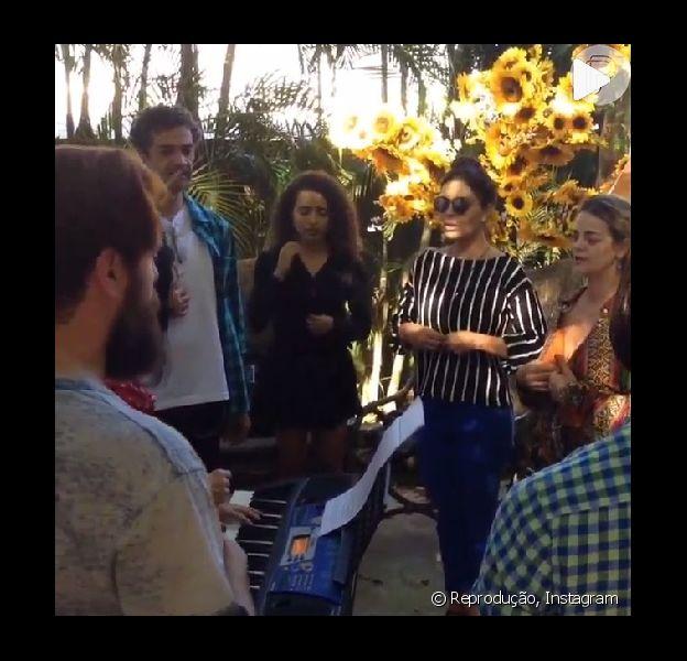 Juliana Paes ensaia música final para a novela 'Meu Pedacinho de Chão'