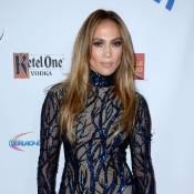 Jennifer Lopez comemora aniversário de 45 anos com bolo de R$ 222 mil