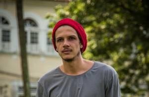 'Império': após ser preso, Elivaldo briga na cadeia e vai para um presídio