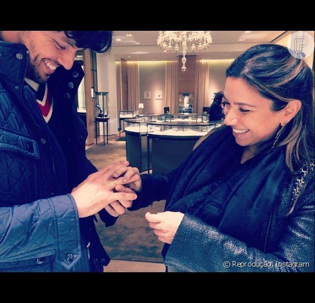 Patricia Abravanel fala sobre pedido de casamento de Fabio Faria em entrevista à revista 'Veja SP', nesta segunda-feira, 28 de julho de 2014
