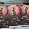 Sophia Abrahão lança seu primeiro livro, 'O reino das vozes que não se calam', na tarde deste sábado, 23 de agosto de 2014