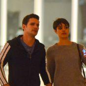 Sophie Charlotte e Daniel de Oliveira vão juntos ao cinema no Rio