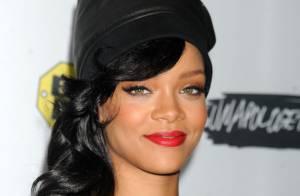 Rihanna lança o álbum 'Unapologetic' com o último show da turnê '777'