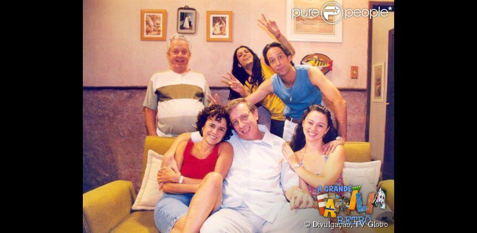 'A Grande Família' estreou em 2001 na Globo. No elenco fixo, Marieta Severo (Nenê), Marco Nanini (Lineu), Guta Stresser (Bebel), Pedro Cardoso (Agostinho Carrara), Tuco (Lúcio Mauro Filho) e Seu Floriano (Rogério Cardoso) completavam a família Silva