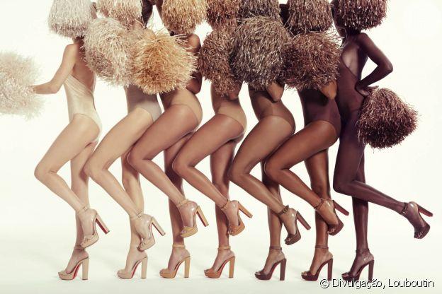 Christian Louboutin também tem uma coleção de sapatos com a representatividade como marca