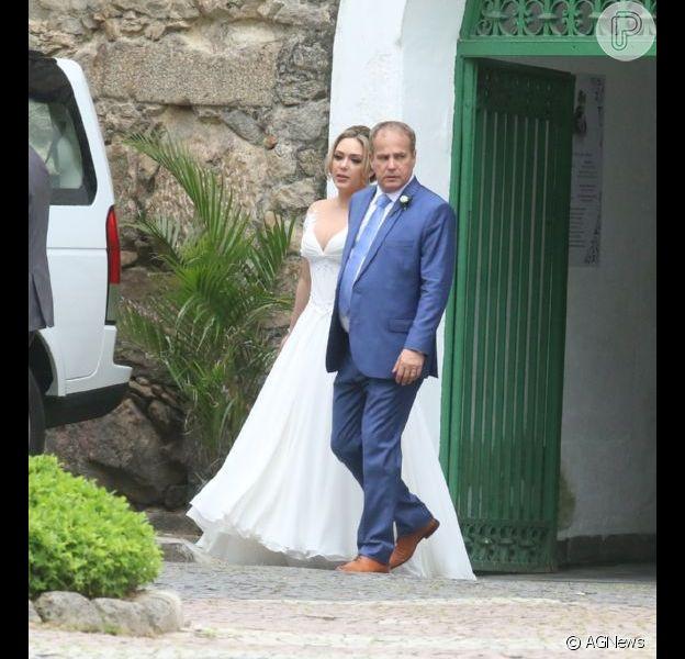 Tânia Mara e Jayme Monjardim se casam em cerimônia religiosa em igreja do Rio de Janeiro