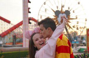 Larissa Manoela destaca sintonia com Leo Cidade em 1º ano de namoro: 'Te quero'