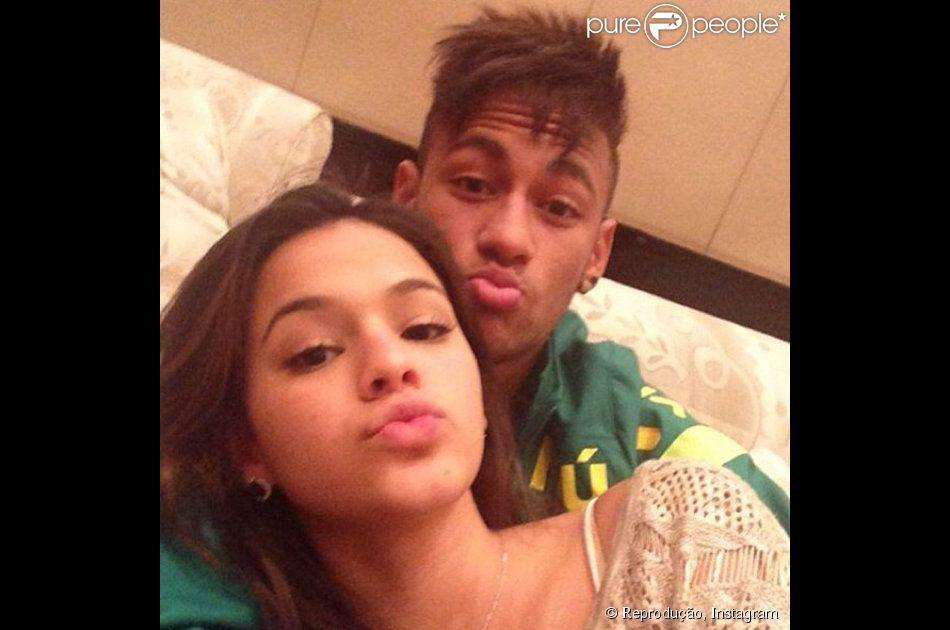 Bruna Marquezine comenta foto de Neymar no Instagram: 'Eu vou te dar alegria'