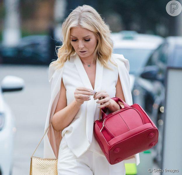 Peças brancas de tecido são uma boa opção para passar o Réveillon com um look all white leve